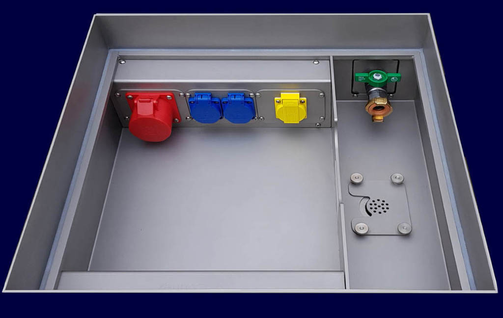 Floor Pit type VELGAST, 6 variable socket modules, 1 or 2 tap water, wastewater connection, truck proof