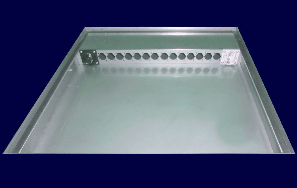 "Stainless steel floor tank 19""-system 1U with Neutrik D-shape hole patterns"
